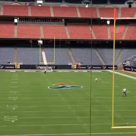 The #FortyViners are in Houston. #BeatTheTexans - 49erss post on Vine