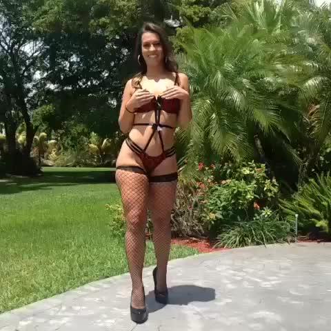 watch giirlsdaiily s vine sexy handstand handstand wow