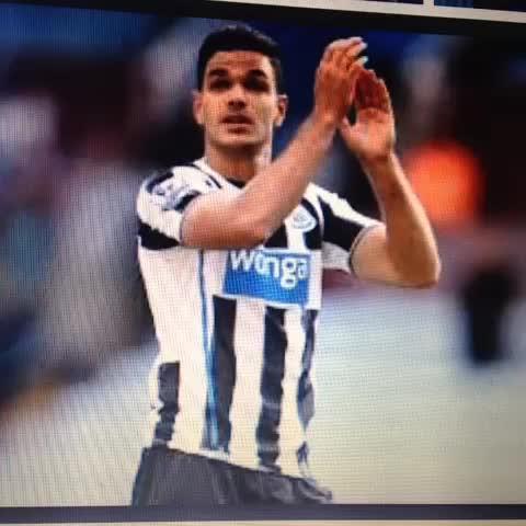 NUFCYorkshireboys post on Vine - Newcastle fans wake up this morning and see sky sports news #deadlineday #toonarmy #football #hcfc - NUFCYorkshireboys post on Vine
