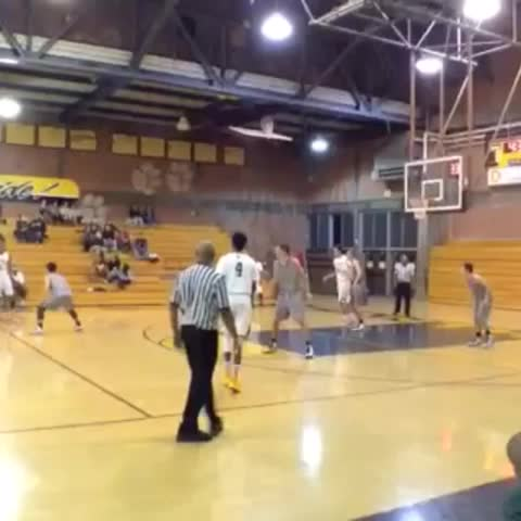 Luke Johnsons post on Vine - Demauriaye Smith drives past one defender and splits 3 other defenders to finish at rim + 2 fastbreak dunks from same night. #BVALTV - Luke Johnsons post on Vine