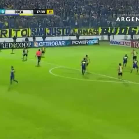 Vine by Boca Juniors - ¡Así fue el gol de Darío Benedetto! Ahora, #Boca 1 - Santamarina 0.
