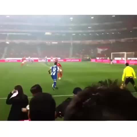 HD Soccer Goals™s post on Vine - Hulk can snipe the nicest long rangers yet!👈🔫 #hulk #zenit #porto #thehulk #snipe #goal #keysnkrates #brazil #twelve 🔥Follow for more!💎 - HD Soccer Goals™s post on Vine