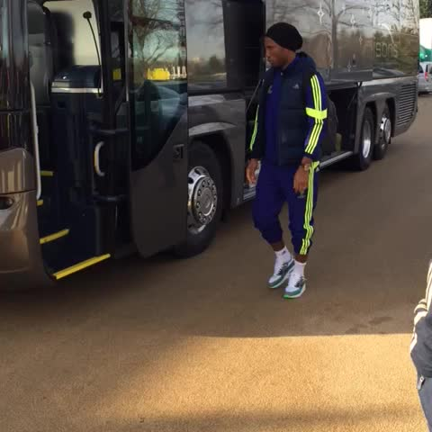 With training complete, the players are now off to the airport... #CFC #ChampionsLeague - Chelsea FCs post on Vine