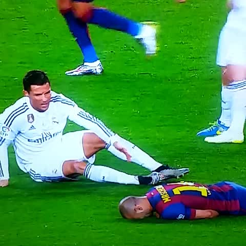 Shocking injury to Mascherano in Barcelona v Real Madrid - Vine by Steve Lenthall - Shocking injury to Mascherano in Barcelona v Real Madrid