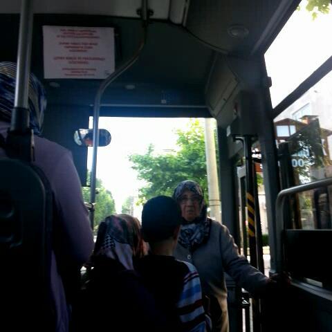 Tunay Alabas – Sizin metrobuslerde sarki calmaz bizim otobuslerde Mustafa Keser Calar agshdjfkl :D izle