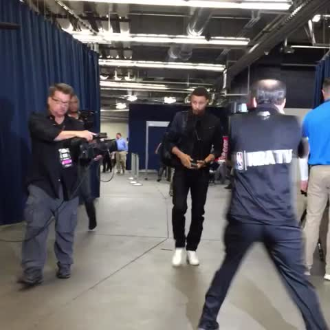 Vine by NBA - Steph arrives in OKC for game 6! Tonight on TNT 9pm/et