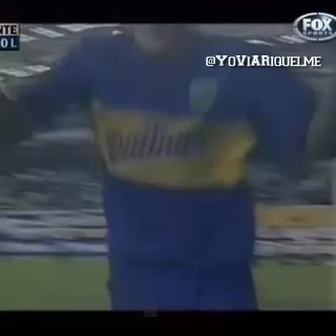 "Vine by YoViARiquelme - #Riquelme ""Cuando la gente canta y salta, no es mentira, la cancha SE MUEVE"" #LaBombonera #BocaJuniors #Football #Futbol #Argentina #RESPECT"