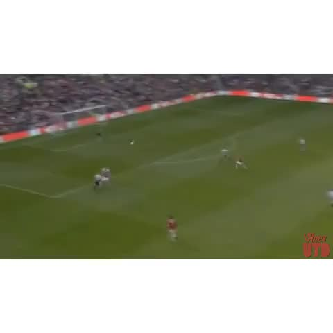 Wayne Rooneys Incredible Volley vs Newcastle United! #MUFC - UtdViness post on Vine