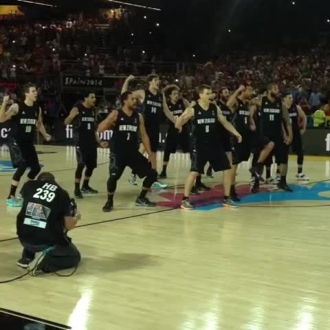 FIBAs post on Vine - The famous #TallBlacks haka at #Spain2014! - FIBAs post on Vine