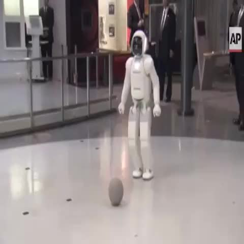 President Obama Plays Soccer With ASIMO the Japanese Robot (Video Source: AP) - BuzzFeed Newss post on Vine
