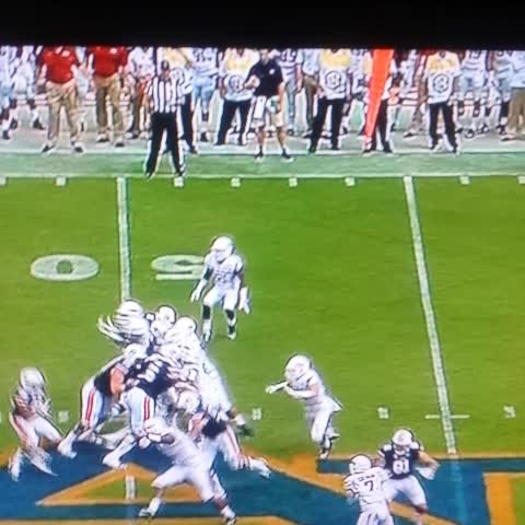 Todd Stapless post on Vine - Auburn needs to sign the ball boy on the sideline #4.4speed - Todd Stapless post on Vine