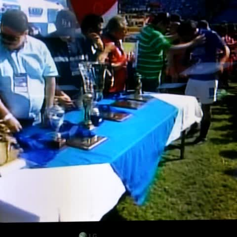 Vine by EL GRÁFICO - Jugadores de la #reserva del Águila reciben sus medallas como campeones del torneo