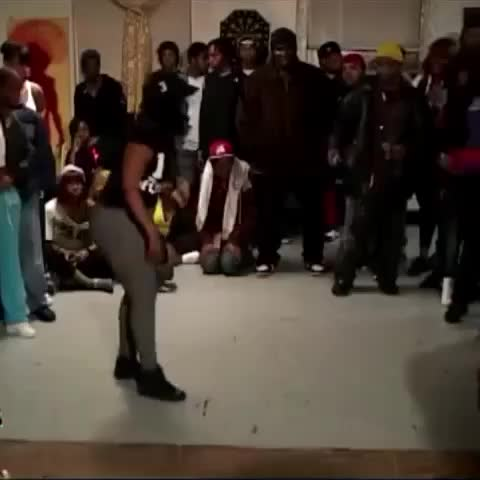 Vine by ohgirldatsquann - 😂😂😂 SHE CAME OUT LIKE A FINAL BOSS IN A VIDEO GAME