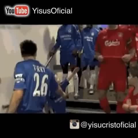 Vine by Yisucrist - el niño más xungo del barrio troleando a Steven Gerrard #ThugLife