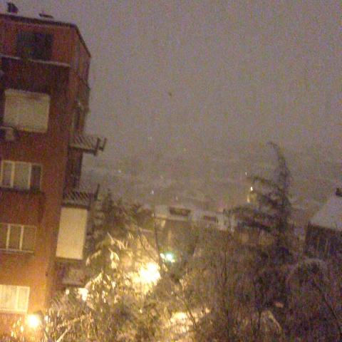 cihan yerlikaya – Hayvan gibi kar yağıyor İstanbul& Ama biz koyduğumuz için artık problem değil :) izle