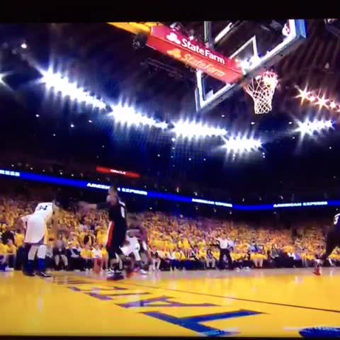 Vine by LOLKNBR - Draymond facial and the hang time.