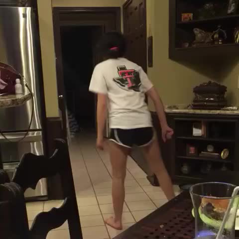 Vine by Gabi - Im home from college