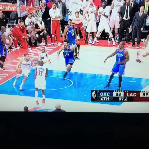 Steven Adams goes Troy Polamalu on Blake Griffin for the intentional foul - Anthony Slaters post on Vine