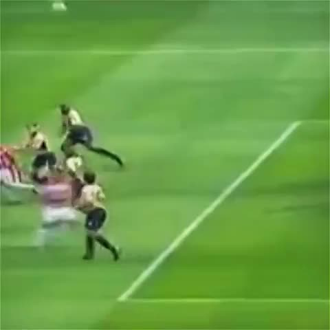 GoalkeeperViness post on Vine - Legendary save by David Seaman! #goalkeepervines #goalkeepersaves #football #soccer #futbol