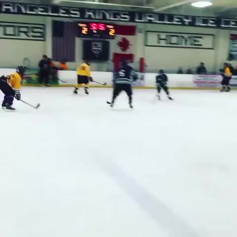 Justin Biebers post on Vine - My dangles were unreal.. did u see that shot? Im number 20.  #dangles #20 #iceicebaby #uthoughtthiswasagame #imadethatpuckmybitch - Justin Biebers post on Vine