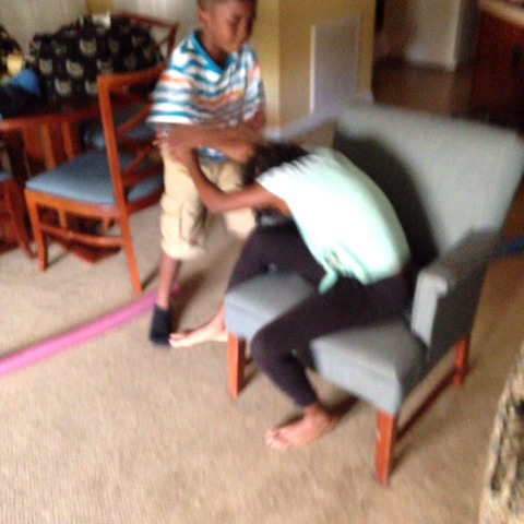 RaeStayBallins post on Vine - My lil brother and sister brawling 🔫👊💢💥 - RaeStayBallins post on Vine