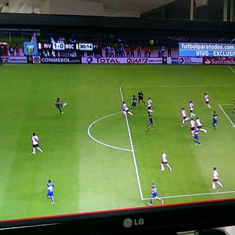 Watch diario popular 39 s vine f tbol pol mica fueo no for Offside en el futbol