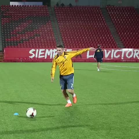 Vine by LA Galaxy - Robbie Keanes amazing trick shot. #LAGalaxy