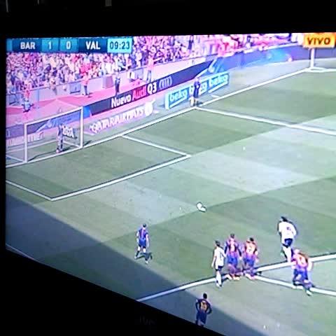 Vine by Gaston Ninin - Bravo ataja el penal frente al Valencia