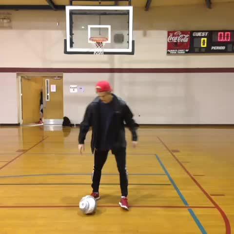 Vine by Zach Hamilton - #howto do soccer stuff pt 17