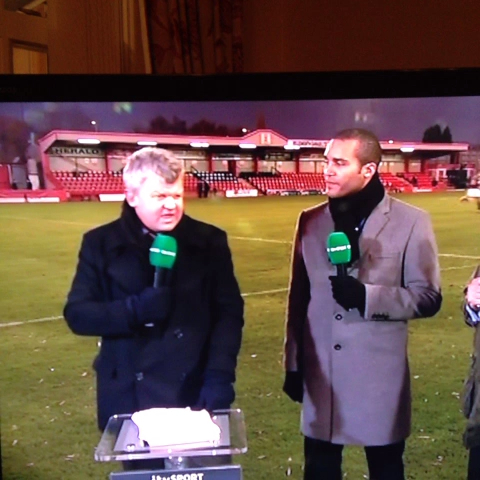 Adrian Chiles getting abused by Tamworth fans - John Kehoes post on Vine