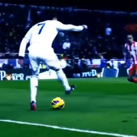 best soccer skillss post on Vine - Cristiano ronaldo skill show (Part 8 for skill shows) #CR7 #made #in #haven #ronaldo #real #madrid whil he bye inportend voor portugal - best soccer skillss post on Vine