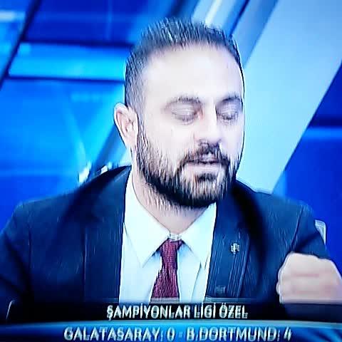 GUARDIAN OF FENERBAHCEs post on Vine - Hasan Şaş ; 6lık maç olsa 6ya giderdi :)  #NedenAltıHocam #Galatasaray #Dortmund - GUARDIAN OF FENERBAHCEs post on Vine