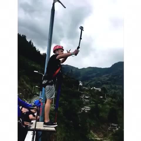 Vine by Edgar Coronel - #Puenting #SaltoDelPuente #Bungee #BridgeJumping #Salto #Baños #BañosDeAguaSanta #Ecuador #Sudamerica #AllYouNeedisEcuador #AllInOnePlace 😎