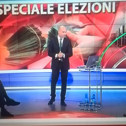Ha votato più gente per XFactor che per le #regionaliER! #elezioniER #elezioniregionali #xf8 - Giuditta_cs post on Vine