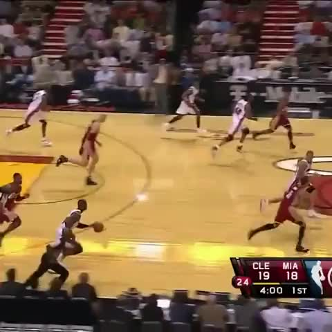 Vine by Full Court Prez - Dwyane Wade dunks on Anderson Varejao!