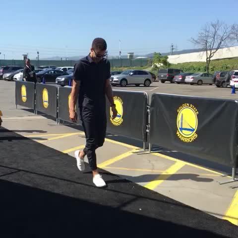 Vine by NBA - Steph Curry arrives for Game 5! #WARRIORSvTHUNDER #NBAVine