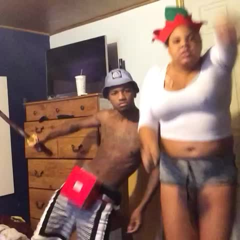 Vine by ViralVines - The weirdest dance vine of 2014 #viral #weird #dance