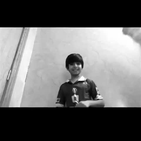 Vine by سلمان الهلال - مشاهدة على YouTube - https://youtu.be/dsolw3uC_fA عيال أخوي مو صاحين ابد هههههههههههههههههههه  #الهلال