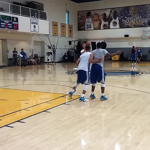 #Warriors guards 1v1 drills: #StephCurry called @IanClark a smart player. Its true. Got a variety of moves in repertoire - Vine by @LetsGoWarriors - #Warriors guards 1v1 drills: #StephCurry called @IanClark a smart player. Its true. Got a variety of moves in repertoire