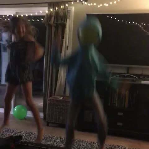 Vine by Josh Darnit - Perhaps the creepiest thing thats ever happened in my living room. 😳 JohnnaMazing