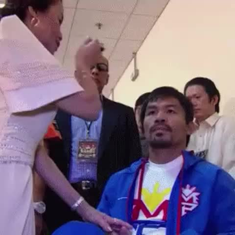 """Krizzy KalerQUIs post on Vine - ICYMI: Mommy Dionisia at the backstage doing her """"ritual"""" #PacAlgieri - Krizzy KalerQUIs post on Vine"""