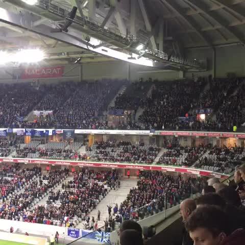 Au stade pour LILLE - EVERTON : les anglais font beaucoup de bruit ! #WeAreLOSC - Camille Jourdains post on Vine