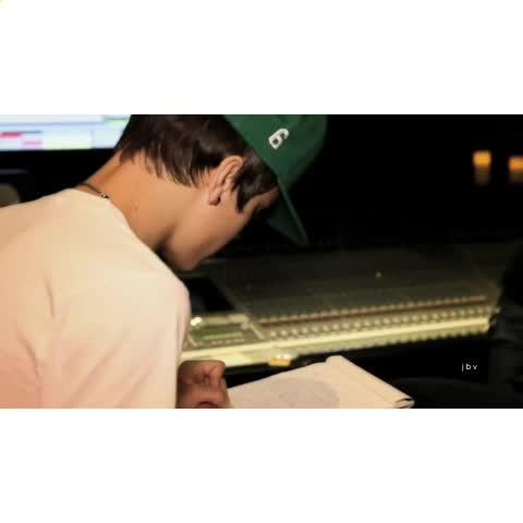 Vine by Justin Bieber Vines - In the studio (put earphones in) [JB left ear / The Weeknd right ear]