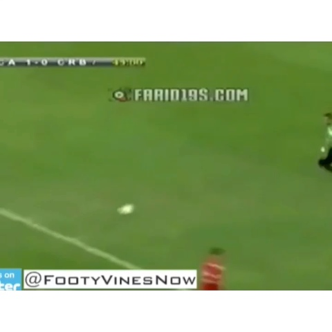 Football Goalss post on Vine - This is just epic.... Double fail by goalkeeper and player 😂😂😂😱 #ooh #killem #miss #fail - Football Goalss post on Vine