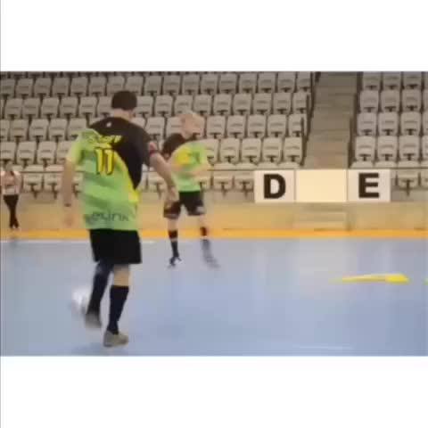 Best Soccer Skillss post on Vine - Sorry for not posting! Im back!! #soccer #football - Best Soccer Skillss post on Vine