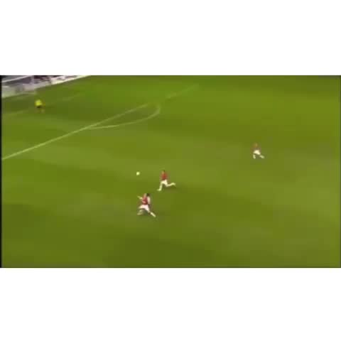 Only Soccer™s post on Vine - Goal by Kaka! Against Man Utd. Please like revine and follow! #popularpage #revine #sports #vine #sports #BestSportsPlays - Only Soccer™s post on Vine