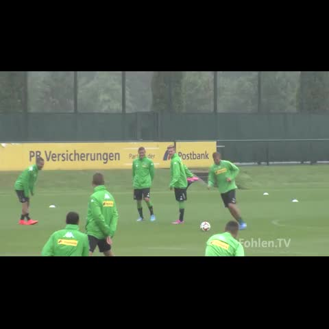 Twitter: @falsenumbervines post on Vine - Christoph Kramer nutmegs his team-mate from 20 yards. #Skill #Popular #Vine #Soccer #Football #Futbol #Trending #CR7 #Kramer - Twitter: @falsenumbervines post on Vine
