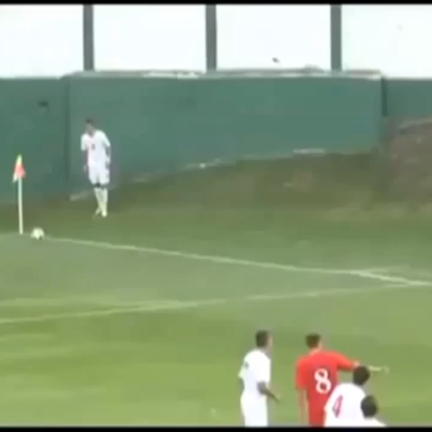 Daoud Bourvics post on Vine - 1 2 3 HIT IT - Most Amazing Corner Kick #soccer #corner #funny #futbol #editedvine #specialfx #corner #doitforthevine - Daoud Bourvics post on Vine
