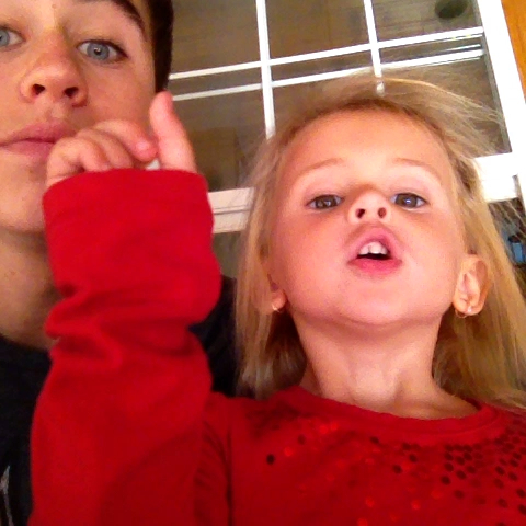 Nash Griers post on Vine - Harmonizing with the sis #Jsonmyfeet #mhm - Nash Griers post on Vine