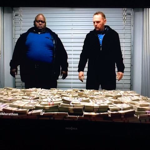 Huell & the money #breakingbad - Gustavo Vegas post on Vine